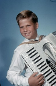 john-with-accordian-4